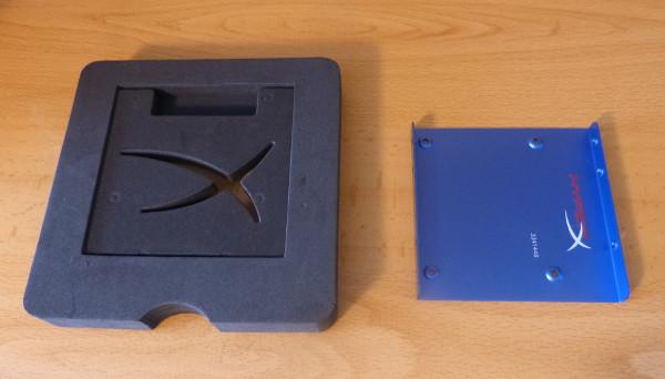La placa que permite conectar este disco duro a una computadora de sobremesa