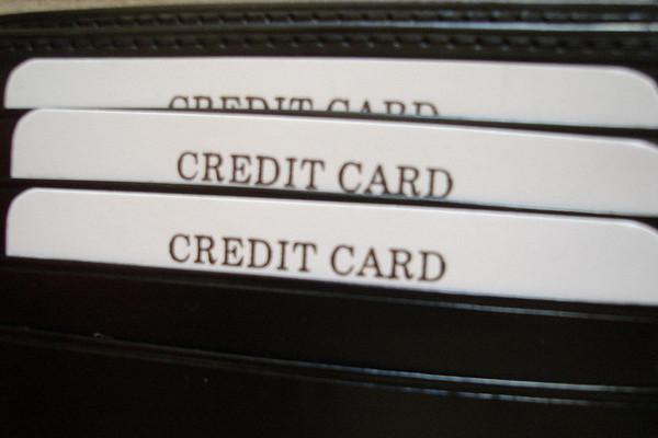 Debemos cuidar la seguridad de nuestras tarjetas de crédito. Imagen de Mike Linksvayer en Flickr bajo licencia Creative Commons