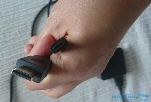 Cables USB-C y HDMI utilizados en el dock