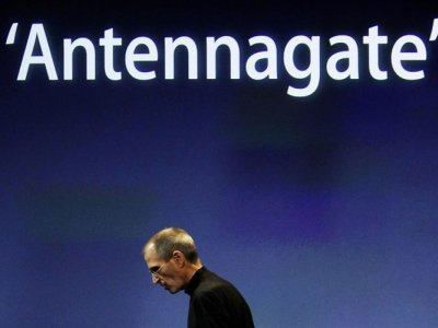 Apple regala fundas para solucionar el problema del iPhone 4
