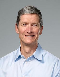 Tim Cook, sobre quien recae la difícil herencia de ser el sucesor de Steve Jobs